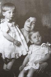 Жена и дочери Владимира Владимировича Смирнова